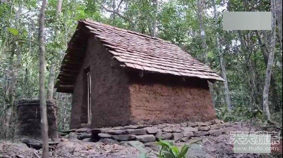 古老木头房子内部结构图