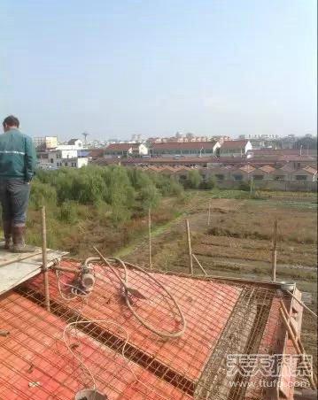 斜坡屋顶面施工