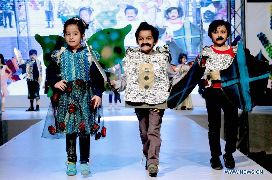 PAKISTAN-LAHORE-KIDS-FASHION SHOW