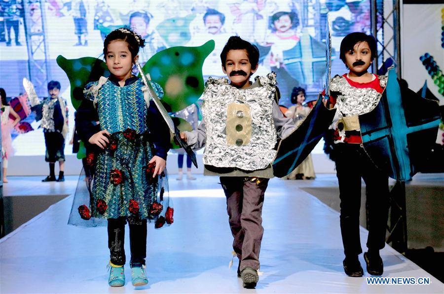 PAKISTAN-LAHORE-KIDS-FASHION SHOW