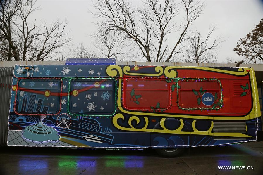 U.S.-CHICAGO-CHRISTMAS BUS