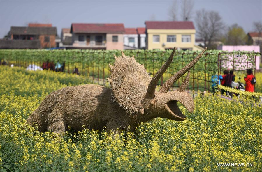 CHINA-HUNAN-STRAW ART SHOW (CN)