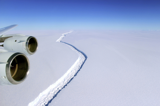 This Nov. 10, 2016 aerial photo released by NASA, shows a rift in the Antarctic Peninsula's Larsen C ice shelf. A vast iceberg with twice the volume of Lake Erie has broken off from a key floating ice shelf in Antarctica, scientists said Wednesday July 12, 2017. [Photo: AP]