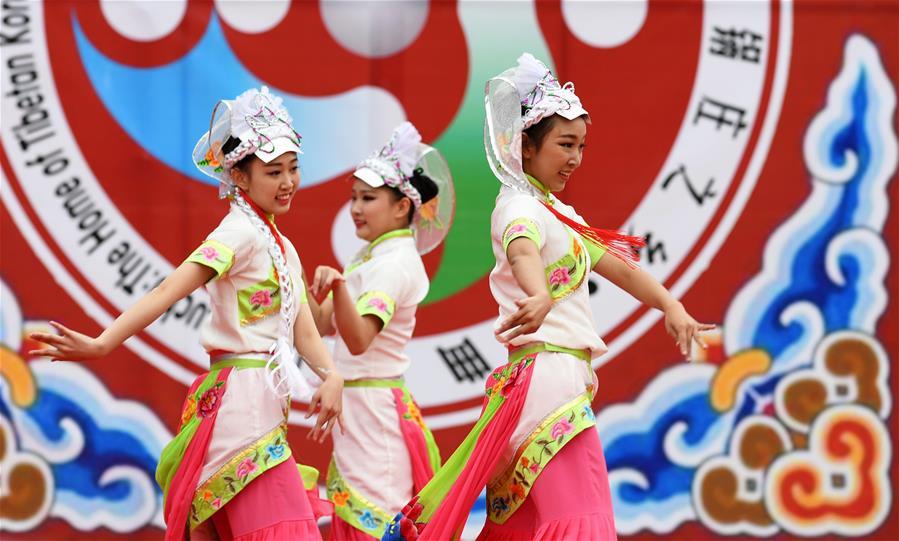 CHINA-GANSU-GUOZHUANG DANCE PERFORMANCE(CN)