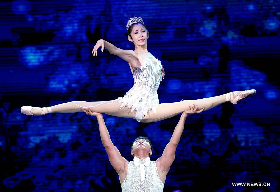 CHINA-SHANDONG-PENGLAI-ACROBATICS CONTEST (CN)