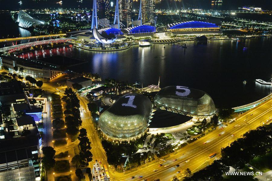SINGAPORE-ESPLANADE-LIGHT SHOW