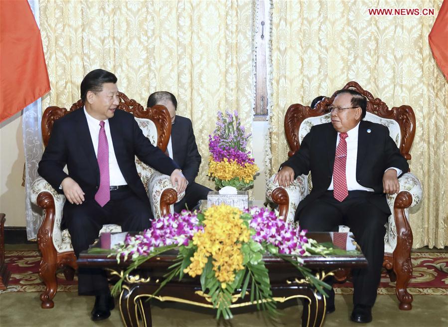 LAOS-CHINA-XI JINPING-BOUNNHANG VORACHIT-TALKS
