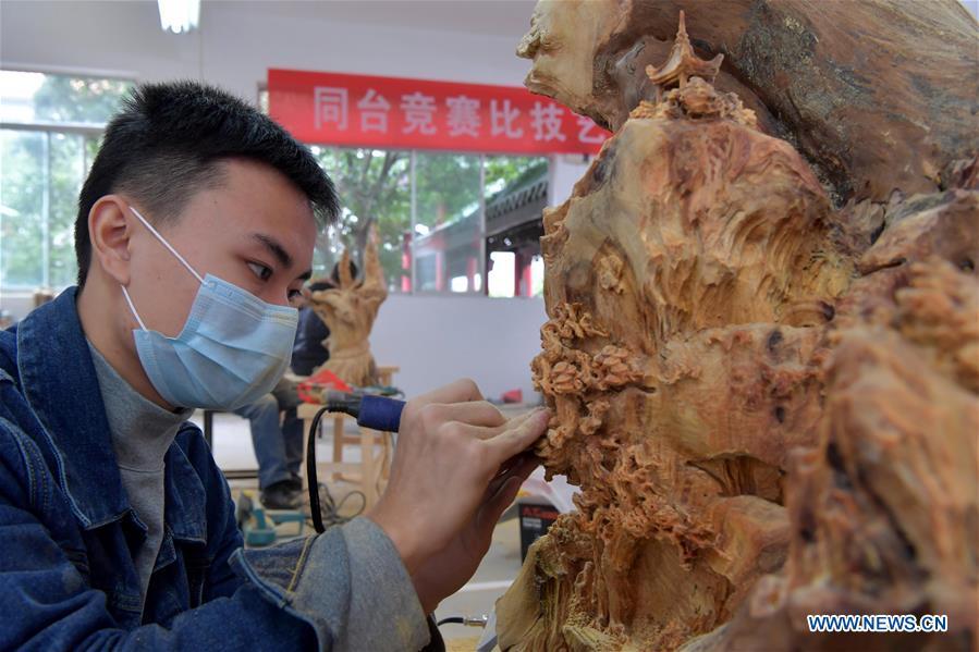 CHINA-JIANGXI-YUJIANG-CARVING CONTEST (CN)