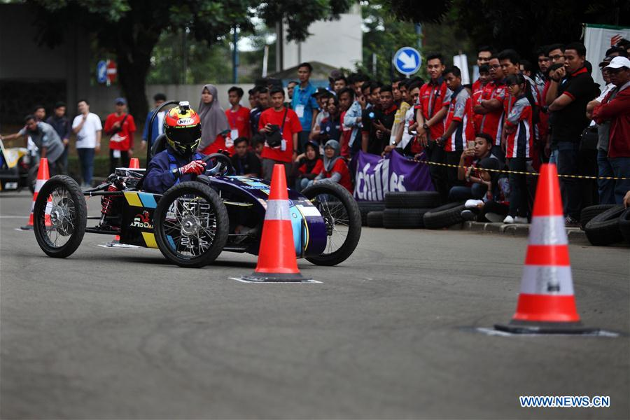(SP)INDONESIA-BANDUNG-ELECTRIC CAR COMPETITION