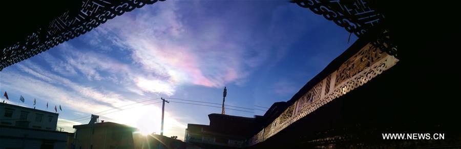 CHINA-TIBET-LHASA-COLORFUL CLOUD (CN)