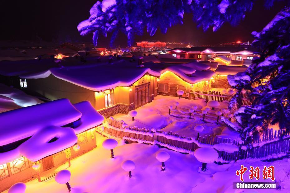 A visit to fairyland-like snow town in NE China's Heilongjiang