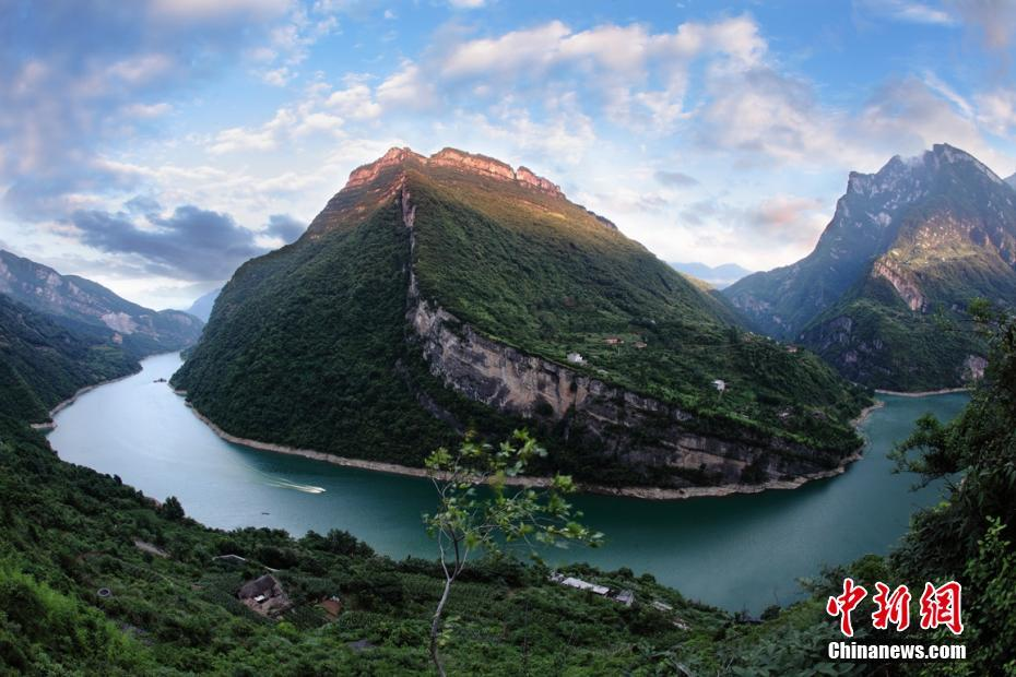 Scenery of fairyland-like Qingjiang National Geopark in C China