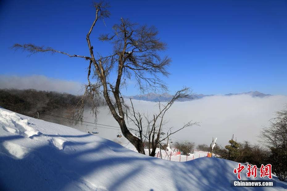 Fairyland-like Jiuding Mountain after snowfall in SW China's Sichuan