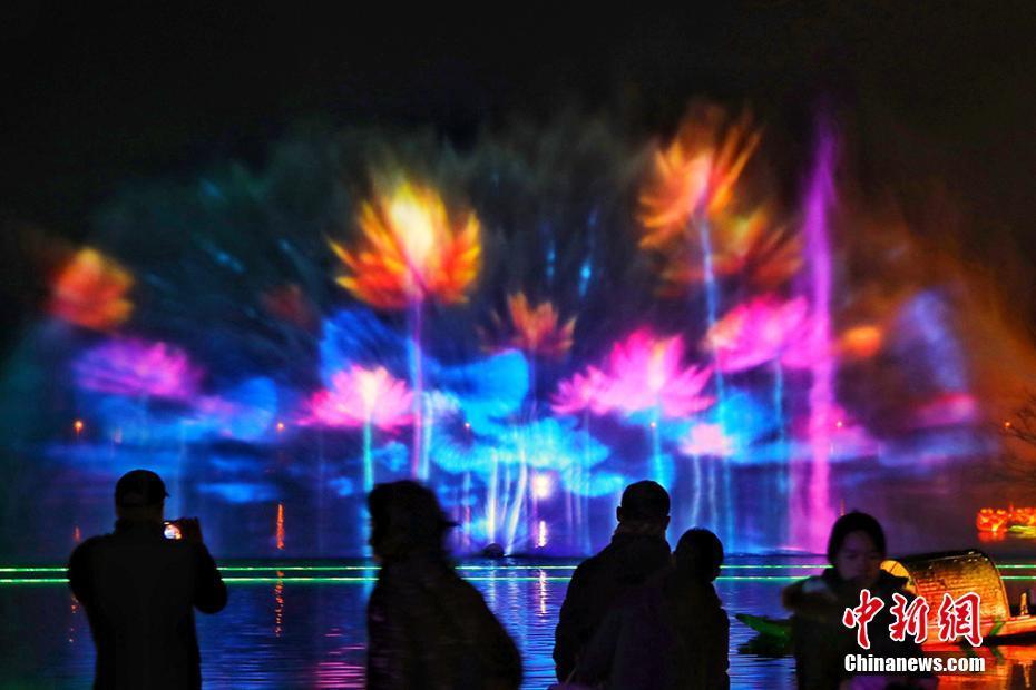 Night scenery attracts tourists in E China's Jiangsu Province