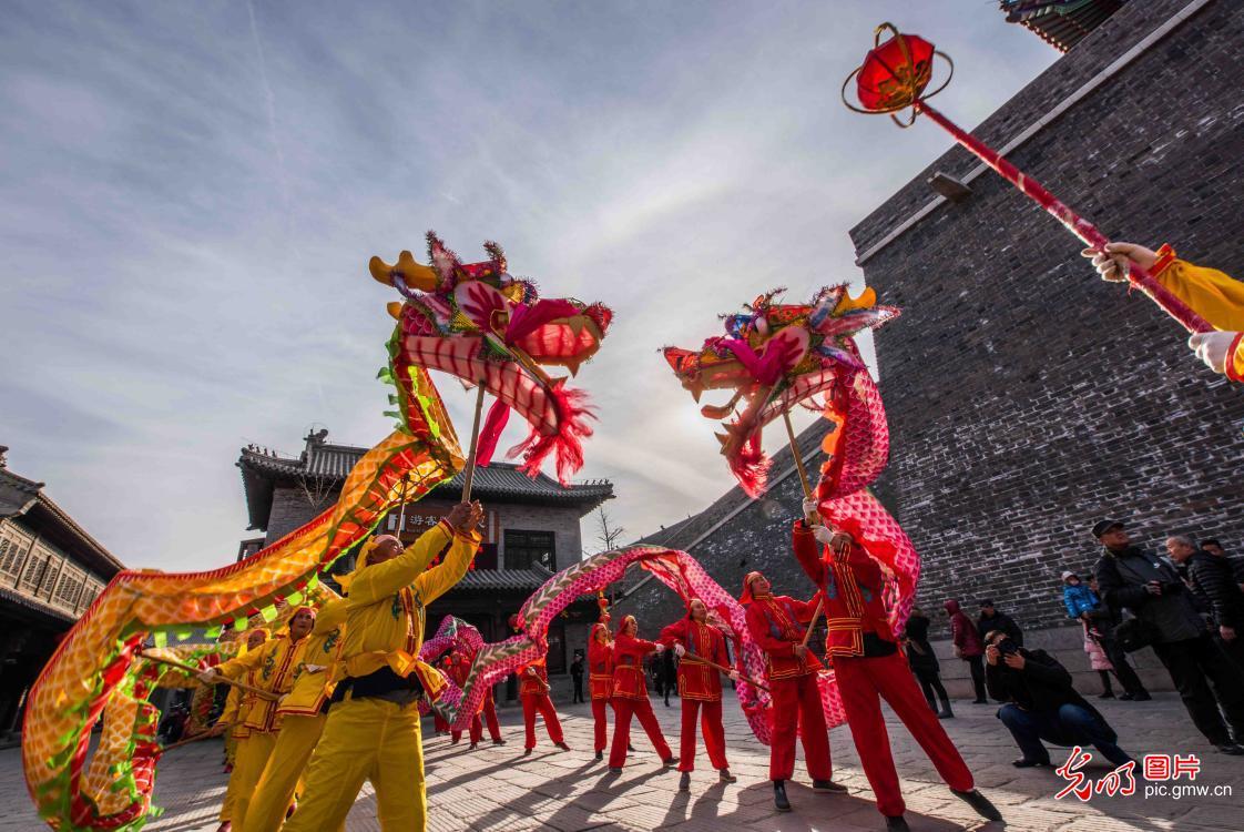 山东潍坊:民俗展演迎新春