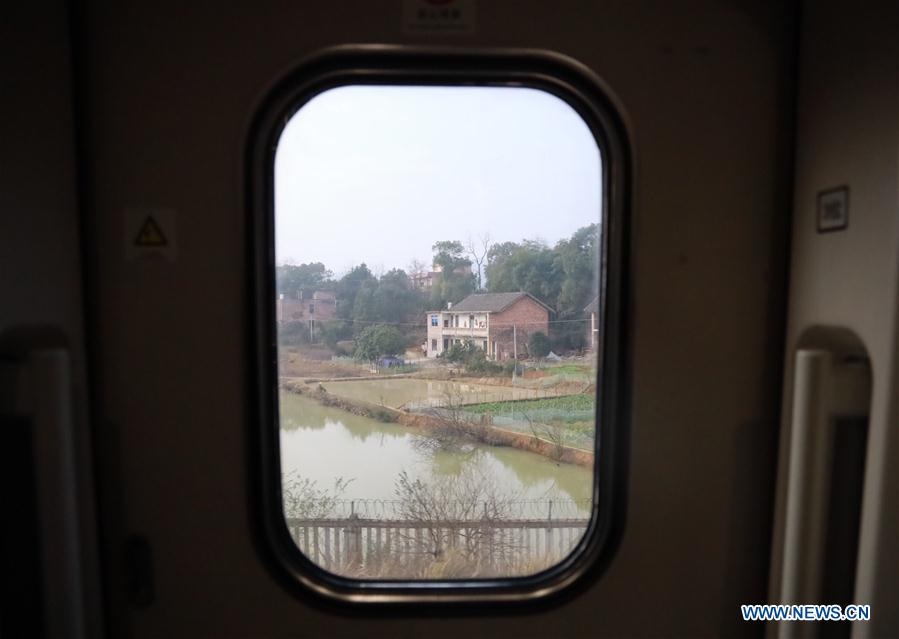 CHINA-SPRING FESTIVAL-TRAVEL RUSH-HIGH SPEED TRAIN-FROM WINTER TO SPRING (CN)