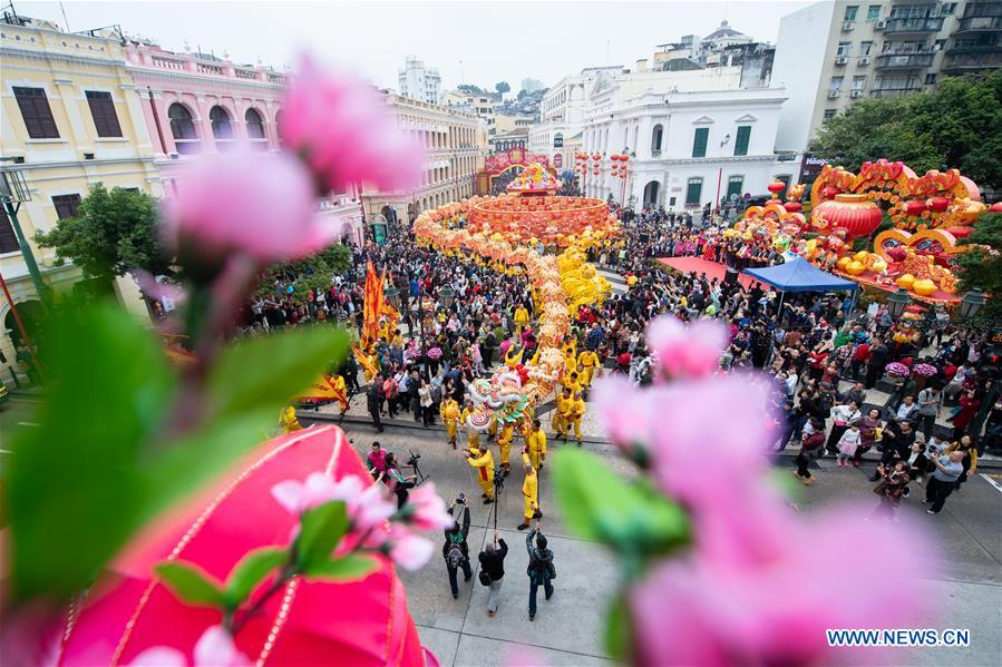 CHINA-MACAO-SPRING FESTIVAL-CELEBRATION-DRAGON DANCE (CN)