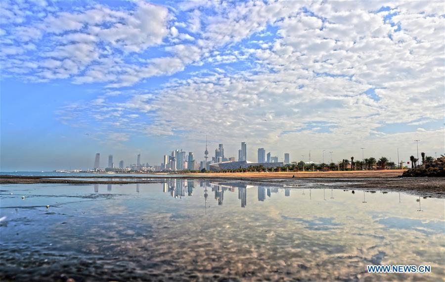 KUWAIT-KUWAIT CITY-BEACH SCENERY