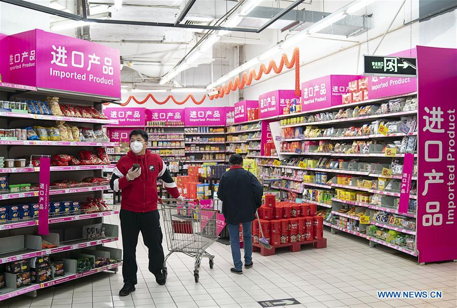 CHINA-HUBEI-WUHAN-RESIDENTIAL COMMUNITIES-COMMERCIAL OUTLETS-REOPEN (CN)