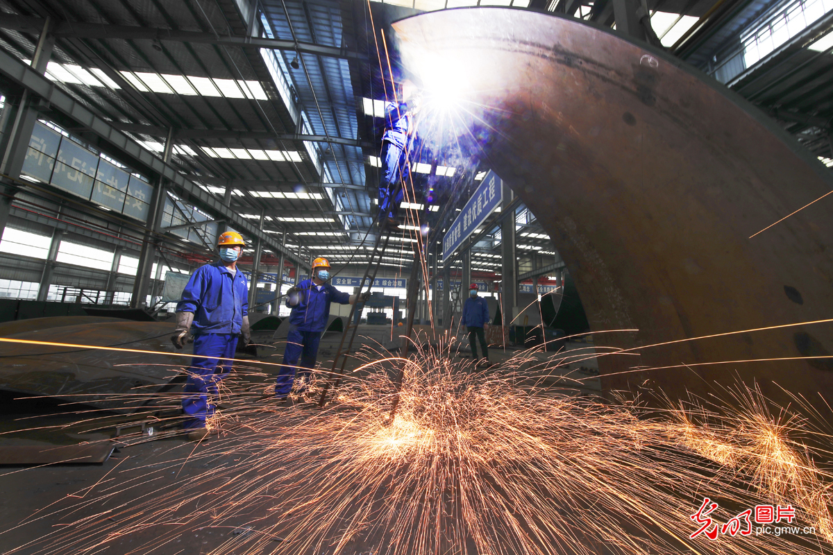 Companies resume work and production orderly in Wuhan