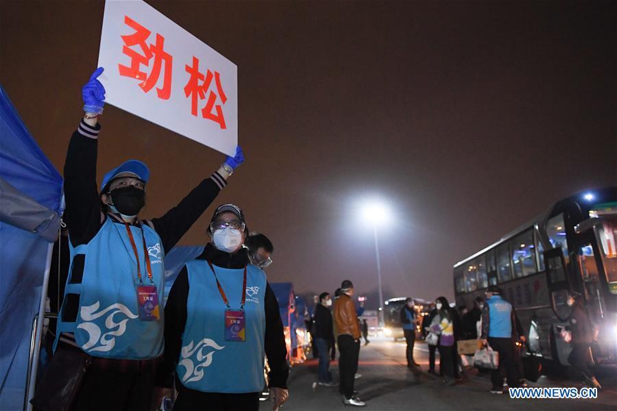 CHINA-BEIJING-HUBEI-STRANDED PEOPLE-RETURN (CN)