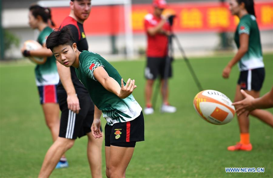 (SP)CHINA-HAIKOU-RUGBY 7S-CHINESE WOMEN'S TEAM-TRAINING(CN)