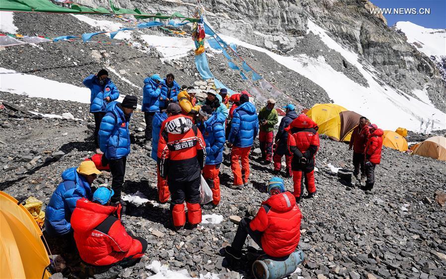 (InTibet) CHINA-TIBET-MOUNT QOMOLANGMA-ADVANCE CAMP-REMEASURING TEAM (CN)