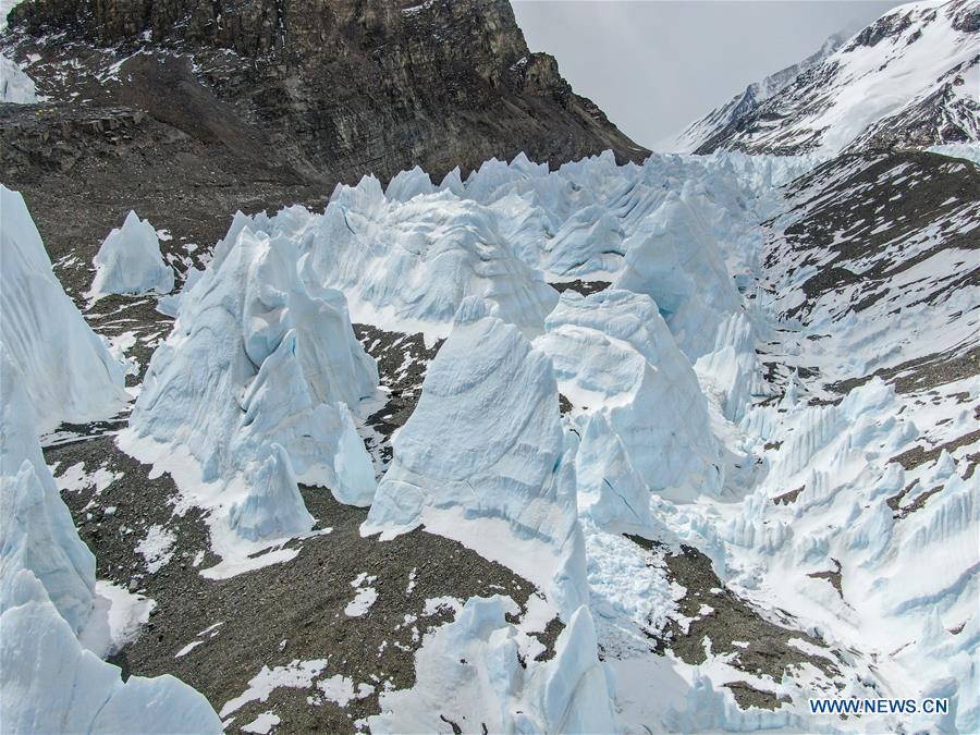 (InTibet)CHINA-MOUNT QOMOLANGMA-VIEWS (CN)