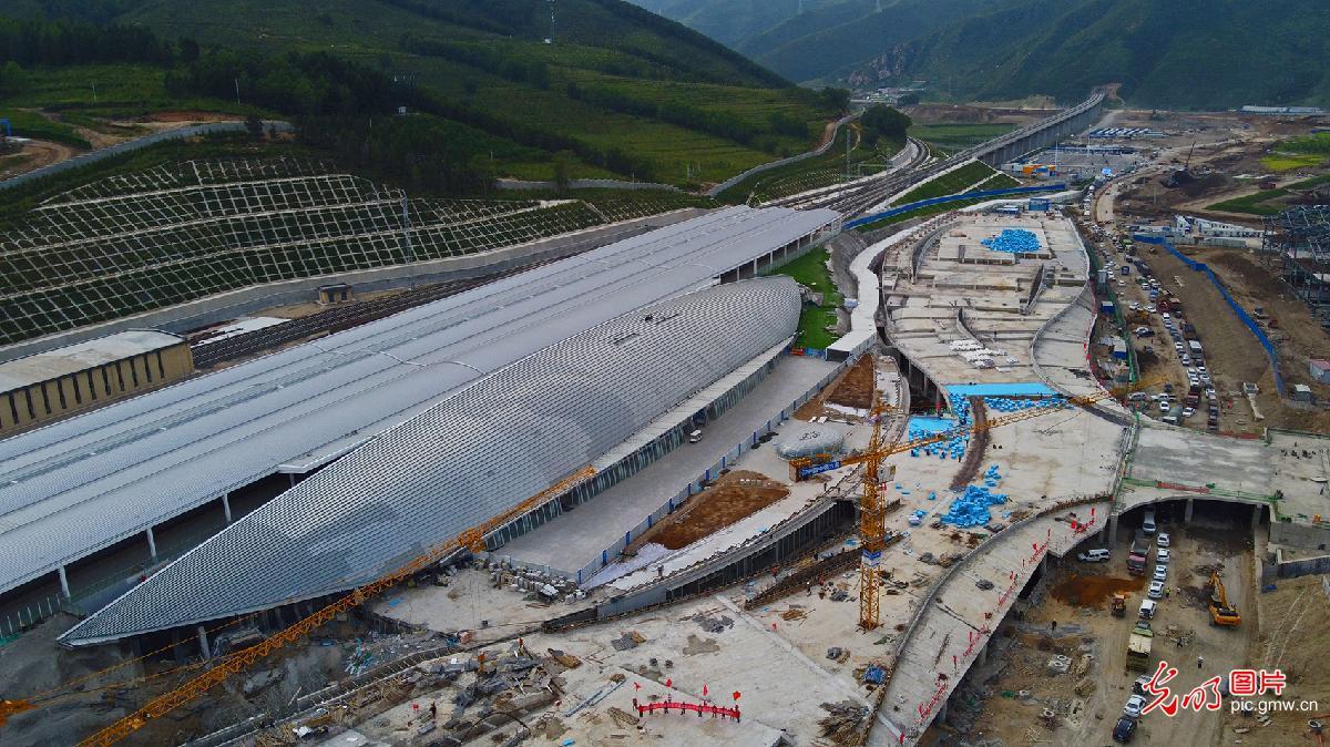 Transportation hinge of Taizicheng Station of Beijing-Zhangjiakou High-speed Railway recently finished