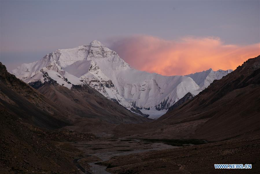 CHINA-TIBET-MOUNT QOMOLANGMA-VIEWS (CN)