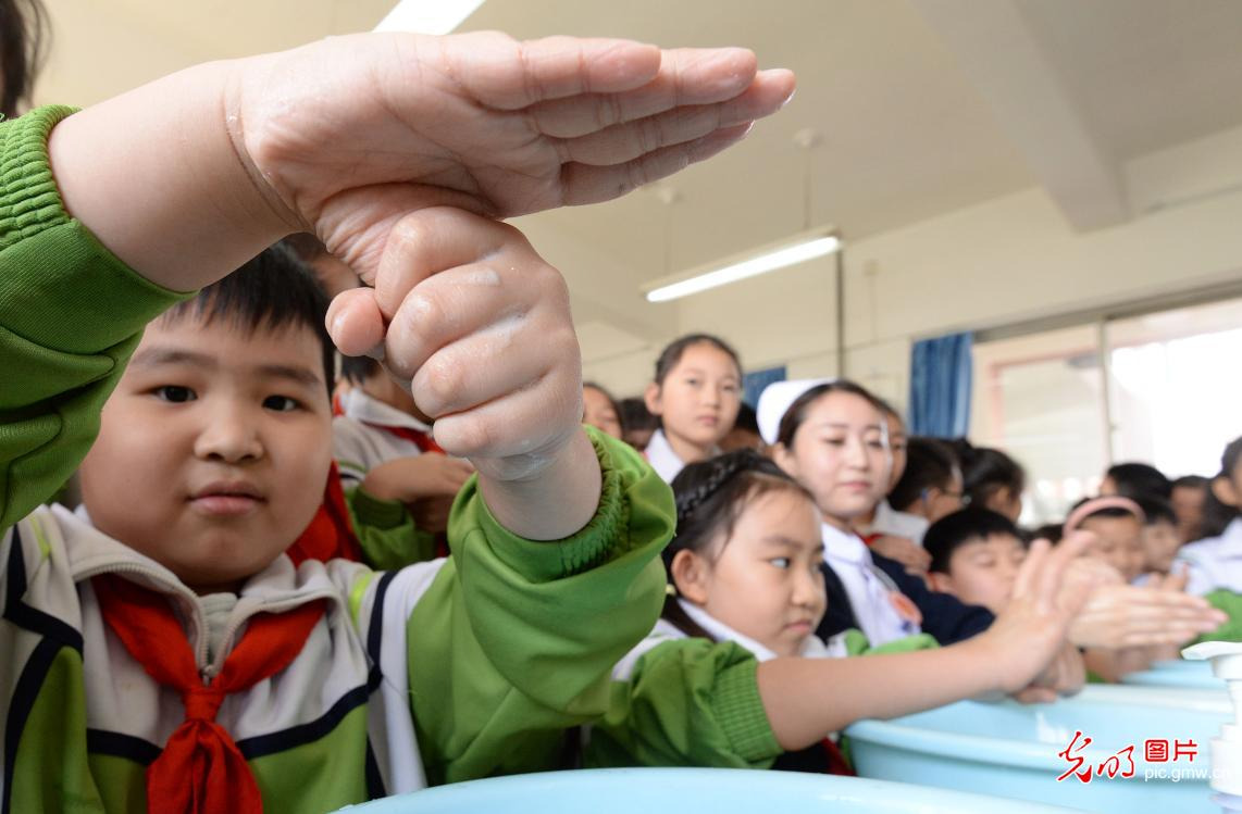 School to promote hand hygiene among kids