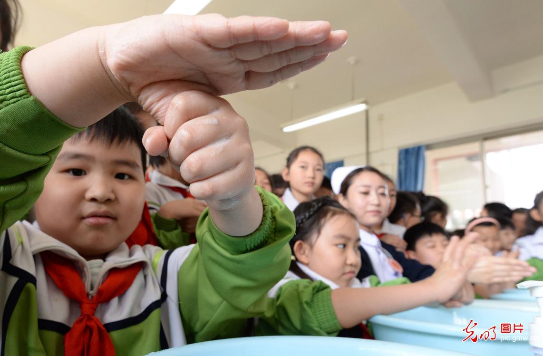 School to promote hand hygiene among kids