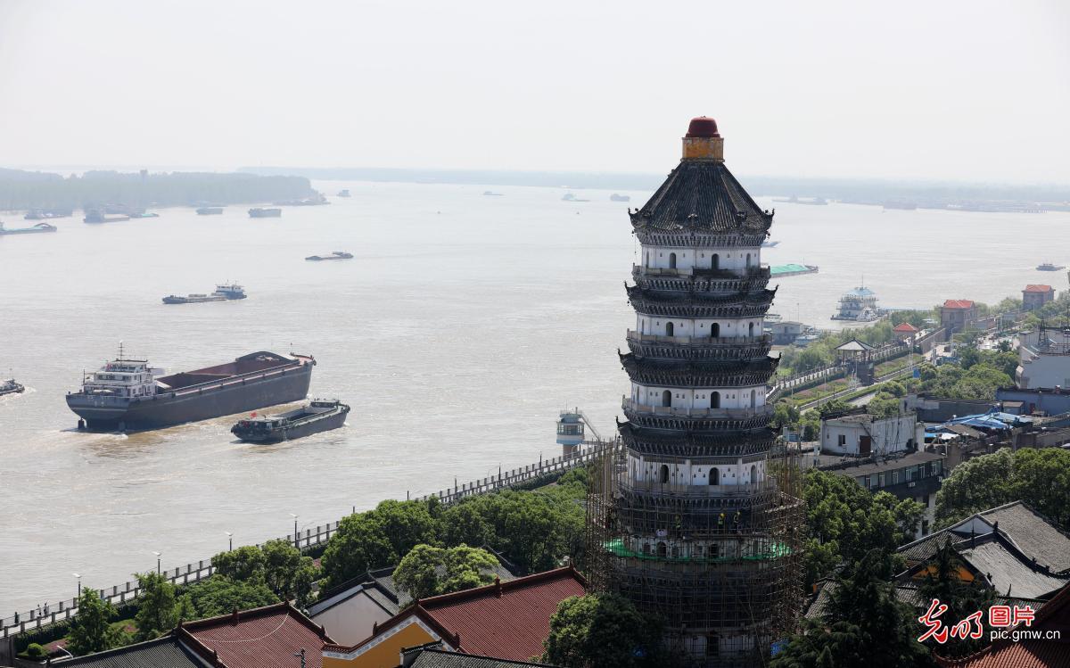 安徽安庆:明代古建筑振风塔抢险加固保安全