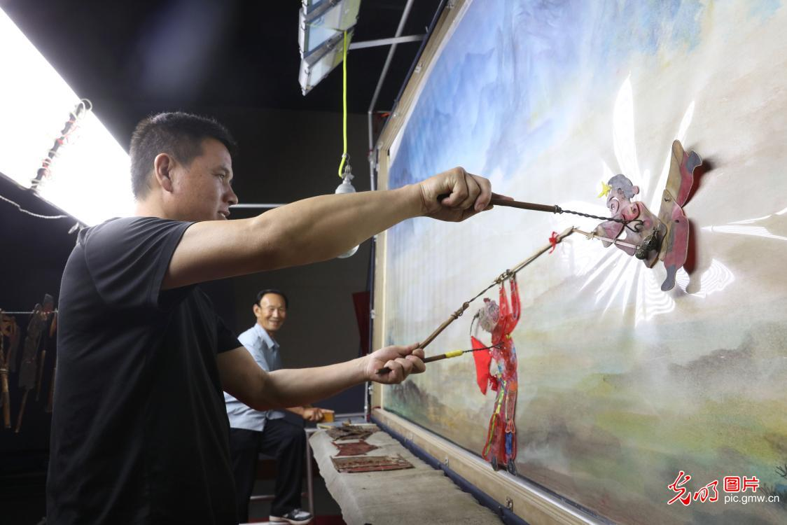 Chinese shadow play performed at theater in Handan, N China's Hebei