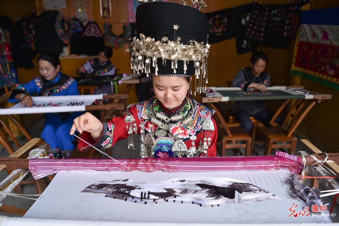 Songtao Miao embroidery listed as the fifth batch of national intangible cultural heritage