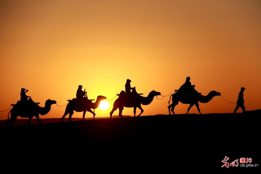 Dunhuang attractions usher in tourism boom