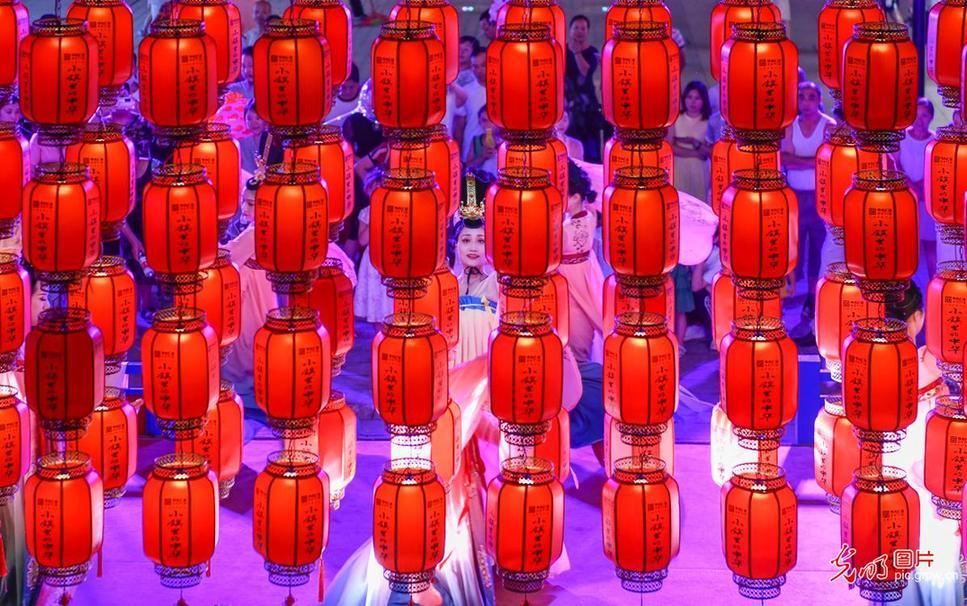 """湖南零陵:古城""""夜经济"""" 红火"""
