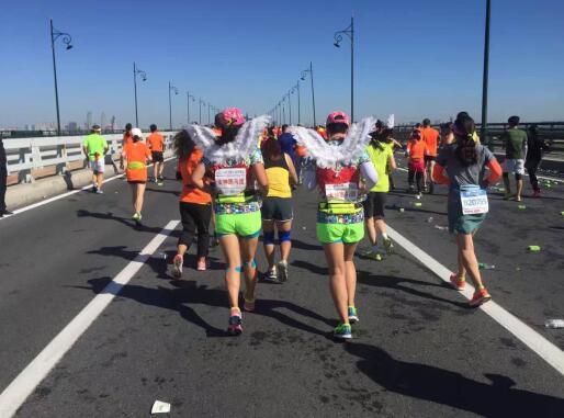 哈尔滨国际马拉松开跑海尔消费金融掀公益跑马热潮