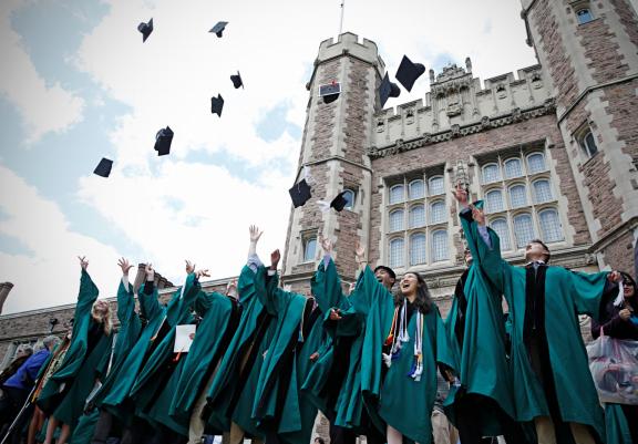 国内实力派EMBA复旦华盛顿大学项目全球排名第五