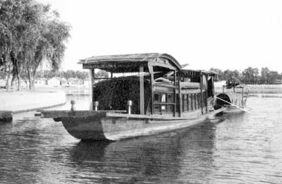 船的黑白设计
