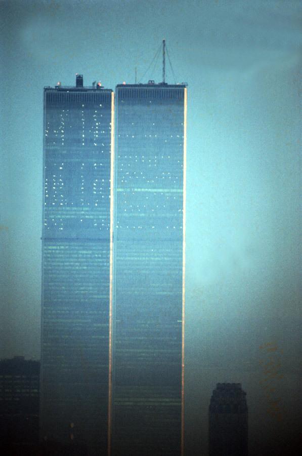 """纽约世贸中心""""双子塔""""的前世今生"""