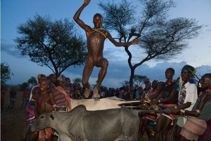 探秘非洲最后原始部落(图) _历史频道 _光明网