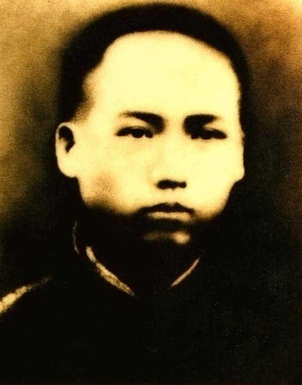 老照片:年轻时的江泽民旧照 10位领导人青葱影