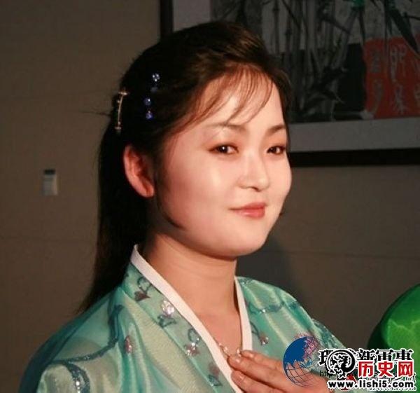 朝鲜美女酒后意乱情迷 志愿军战士坐怀不乱 图