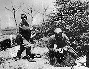 慰安妇自曝:日本兵常拉着女人 到河边沙滩上玩