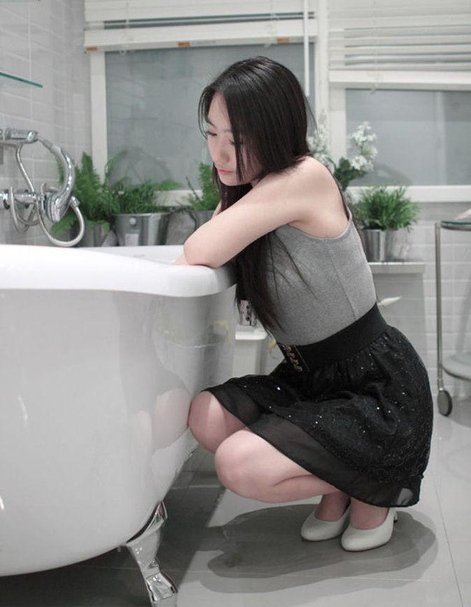 南京90后幼师裸身出浴照 光明网