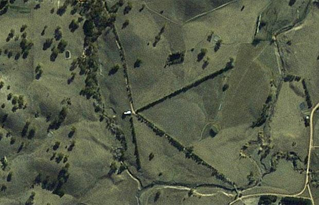 谷歌地图42大神秘发现:飞机墓场 地下宝藏
