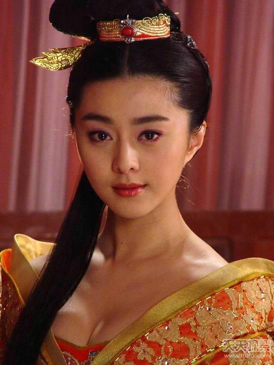 历史上凭借一头秀发竟征服皇帝的皇妃 历史