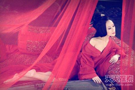 薄透明的衫子在魏晋时期非常流行-古代女性内衣叫做 袜 曾流行外穿图片