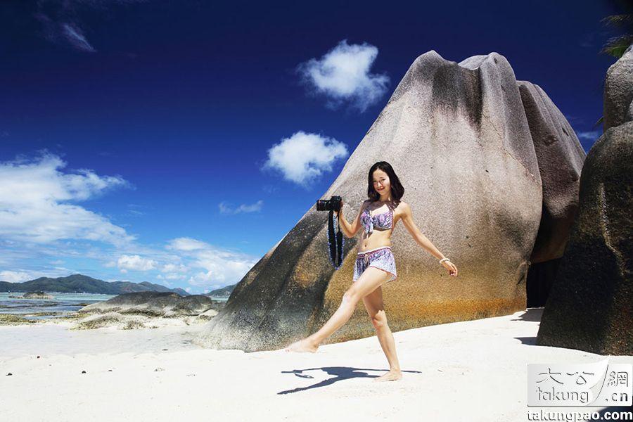 江一燕海滩比基尼写真曝光尺度大开秀性感